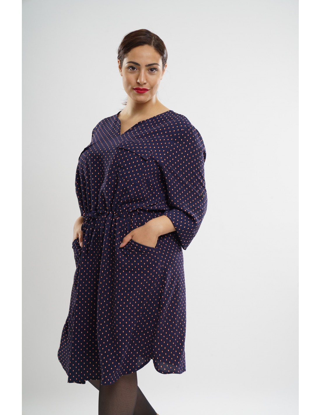 a07fa2908e1e3 Robe mi-longue à pois grande taille femme   Leena Paris